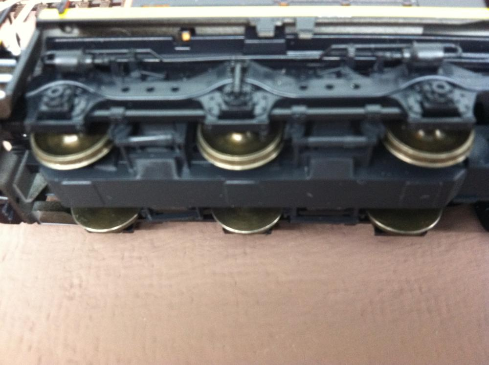 Proto:87 Wheels Installed on Kato SD40-2